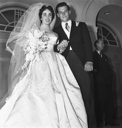 Abiti Da Sposa 1950.All Asta L Abito Da Sposa Di Liz Taylor Il 26 Giugno Chi Si
