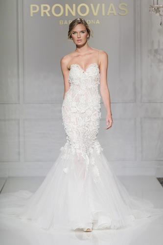 1ee400efc959 Settimana di Bridal Week a Barcellona e i riflettori del mondo wedding sono  tutti puntati sulle passerelle spagnole che portano in scena le nuove  collezioni ...