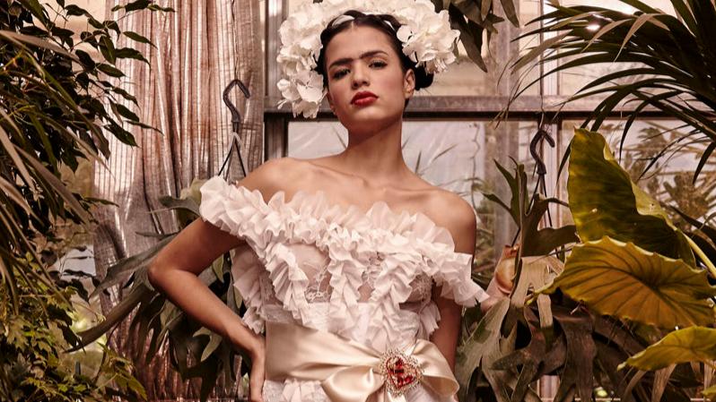 Tutti pazzi per Frida Kahlo  la moda riscopre il suo fascino  c90e97fc2cd
